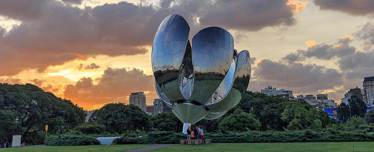 Floralis gen rica sitio oficial de turismo de la ciudad for Puertas de aluminio buenos aires